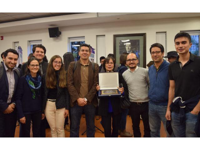 Premio Facultad Angela Cadena